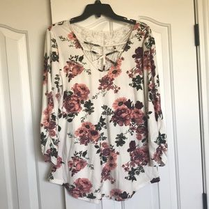 Tops - Floral Three Quarter Length Top